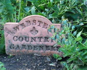 Country Gardeners